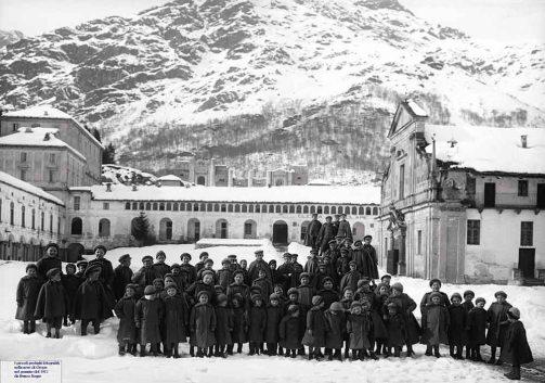 qui-siete-amati-e-prediletti-1-mostra-profughi-prima-guerra-mondiale-oropa-50-sfumature-di-biella